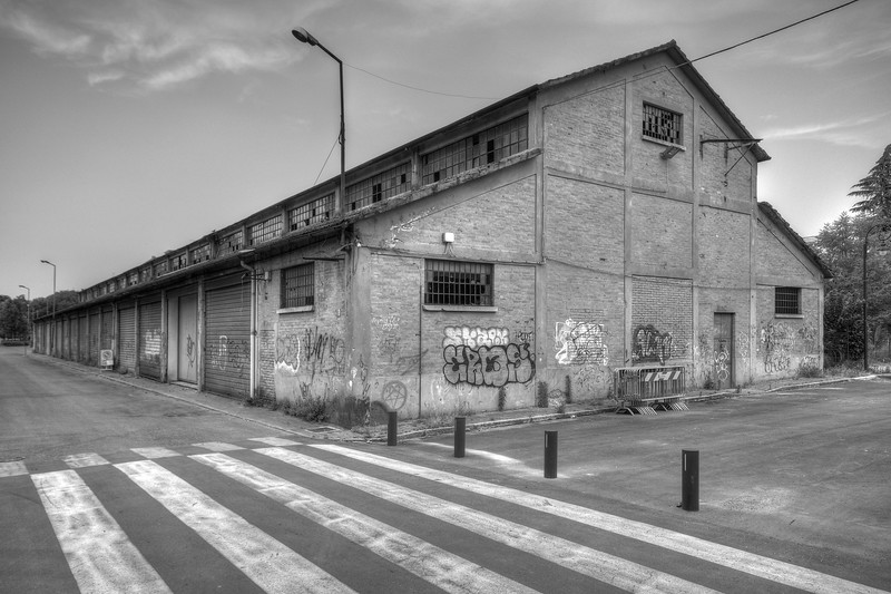 Abandoned Building - Reggio Emilia, Italy - May 26, 2011