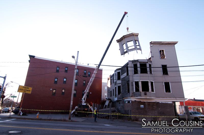House being taken apart on Washington Ave.