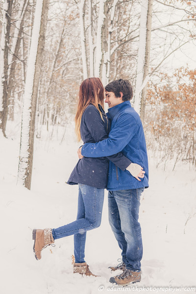 Hope_Noah_snowy_engagement_preview-24.jpg