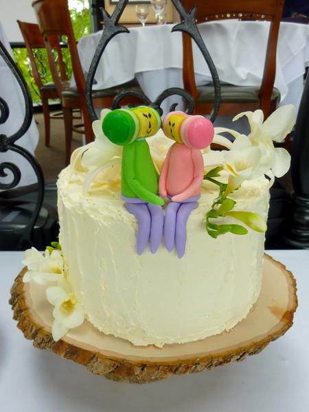 2010.05.30-Jennys.Wedding.Cake