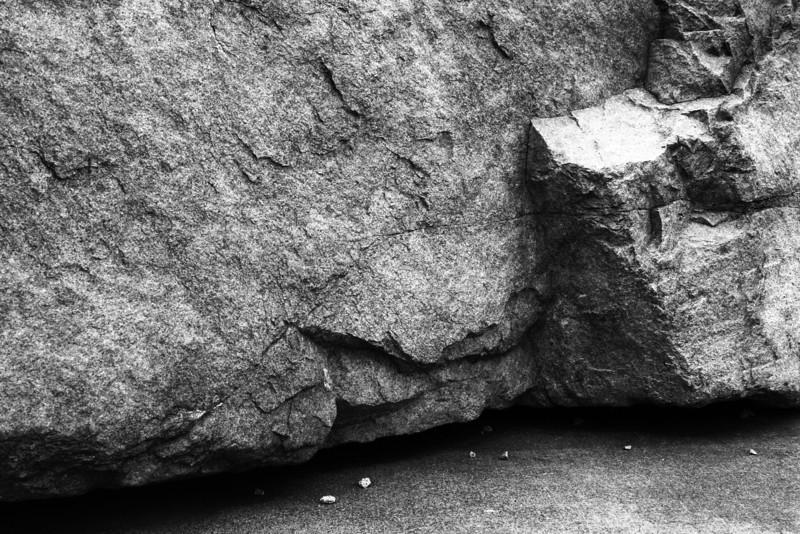 080408-008BW (Abstract; Rock, Pebbles).jpg