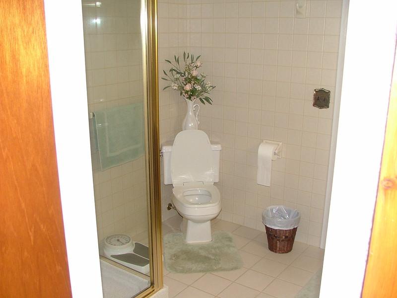MBA (shower on left)