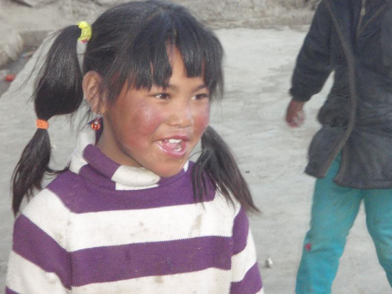 Girl from Tashi Zong (4.185m = 13,730ft) 3