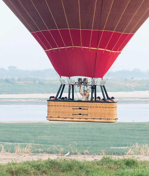 Mar122013_balloon-bagan_1599.jpg