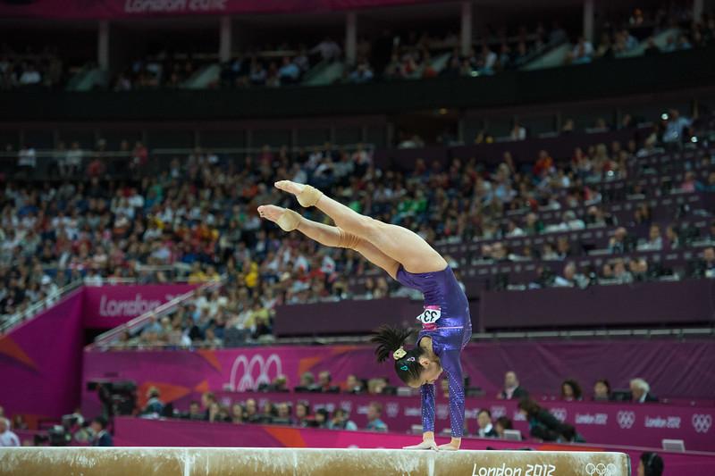 __02.08.2012_London Olympics_Photographer: Christian Valtanen_London_Olympics__02.08.2012__ND43727_final, gymnastics, women_Photo-ChristianValtanen