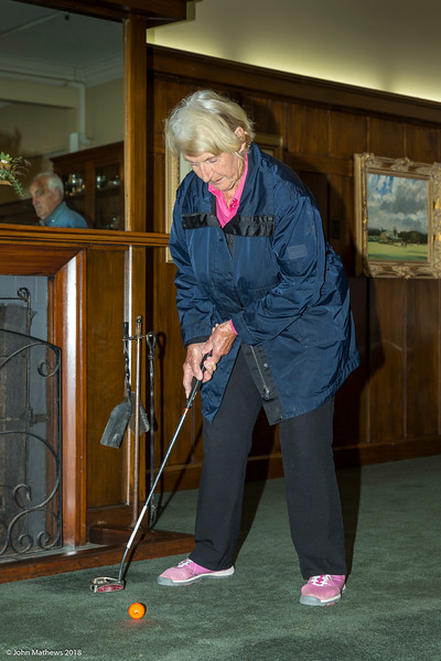 20181001 Judy putting  at RWGC _JM_5369.jpg