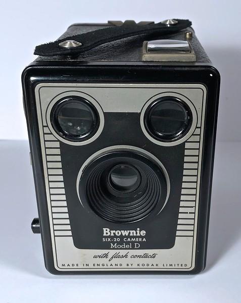 Kodak Brownie Six-20 Model D ~ 1955