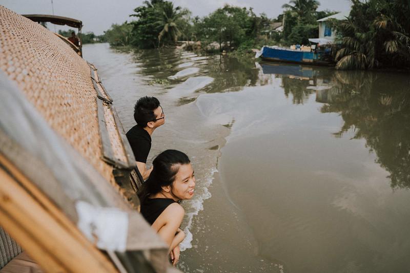 Tu Nguyen Wedding Mekong River Elopement Can Tho  - Southern Vietnam 27.jpg