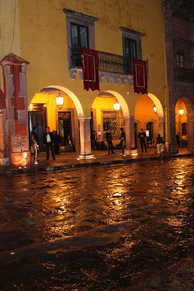 Mariachis break for rain