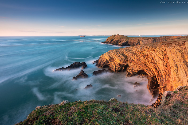 Skomer-Bay-3-Website.jpg