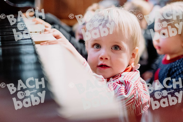 © Bach to Baby 2019_Alejandro Tamagno_Kensington_2019-12-11 028.jpg