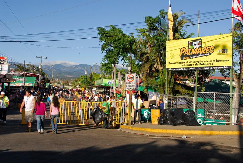 080126 0249 Costa Rica - Palmares Fiesta _P ~E ~L.JPG
