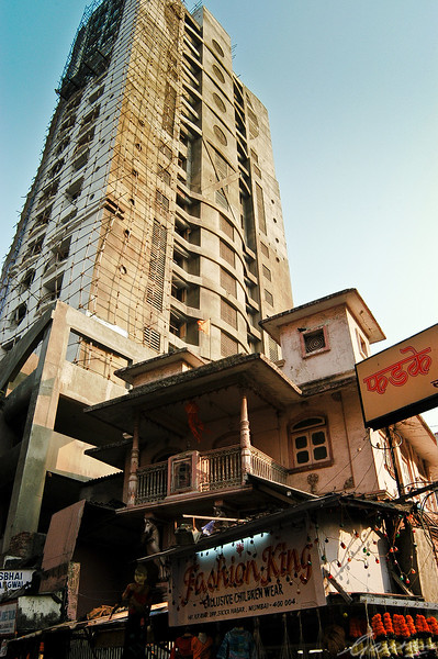 New construction in the old Girgaum quarter, Mumbai, 2003