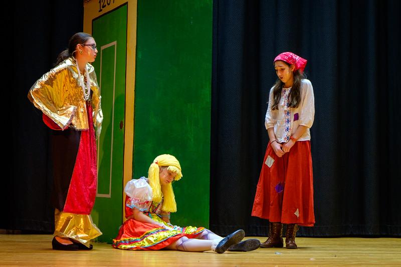 2015-11 Cinderella Rehearsal 0229.jpg