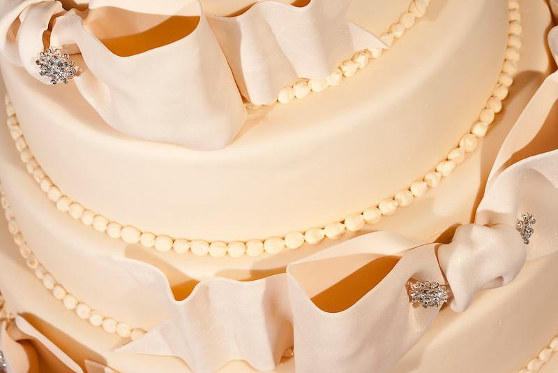 2010_02_27_JUSTTHEFROSTING_WEDDINGCAKE_2010_02_27_just_the_frosting_cake__MG_1839.jpg