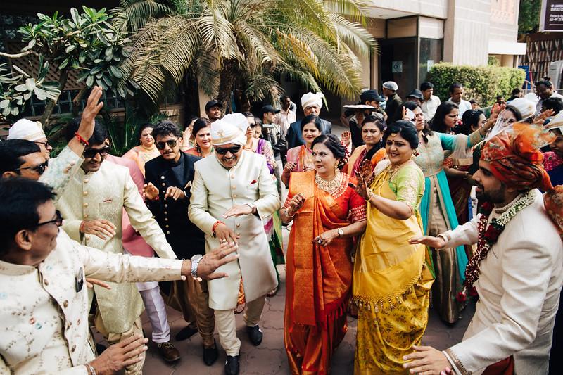 Poojan + Aneri - Wedding Day EOSR Card 1-1301.jpg