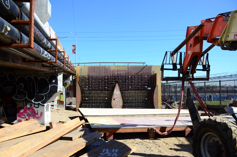 2015-02-09_Bridge Construction_1_2.JPG