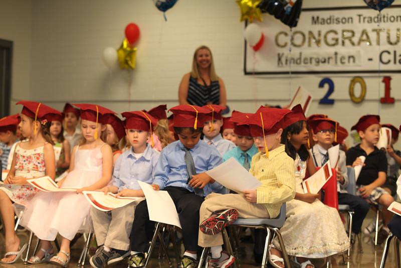 2012May18_MTA Kinder Grad_9761.JPG