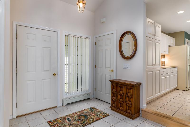 27-Entryway-Kitchen.jpg