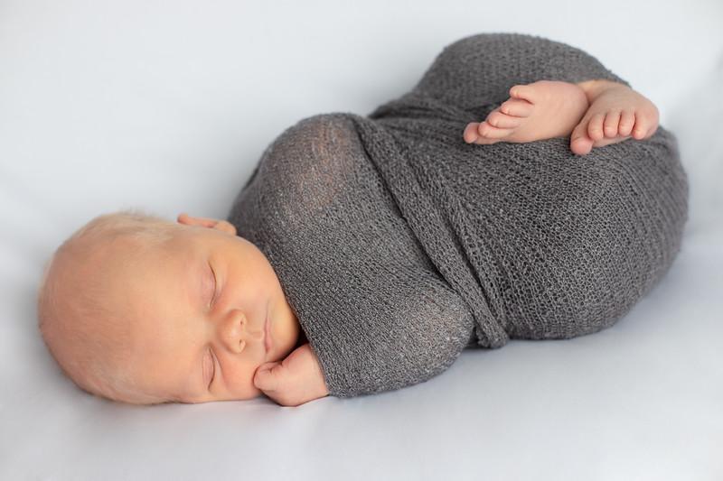 Beckett Newborn-29.jpg
