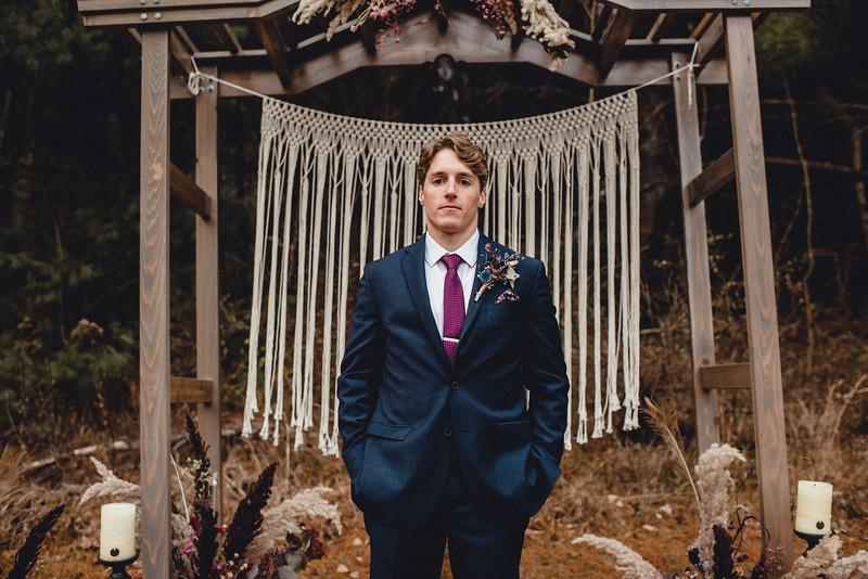 Requiem Images - Luxury Boho Winter Mountain Intimate Wedding - Seven Springs - Laurel Highlands - Blake Holly -1337.jpg