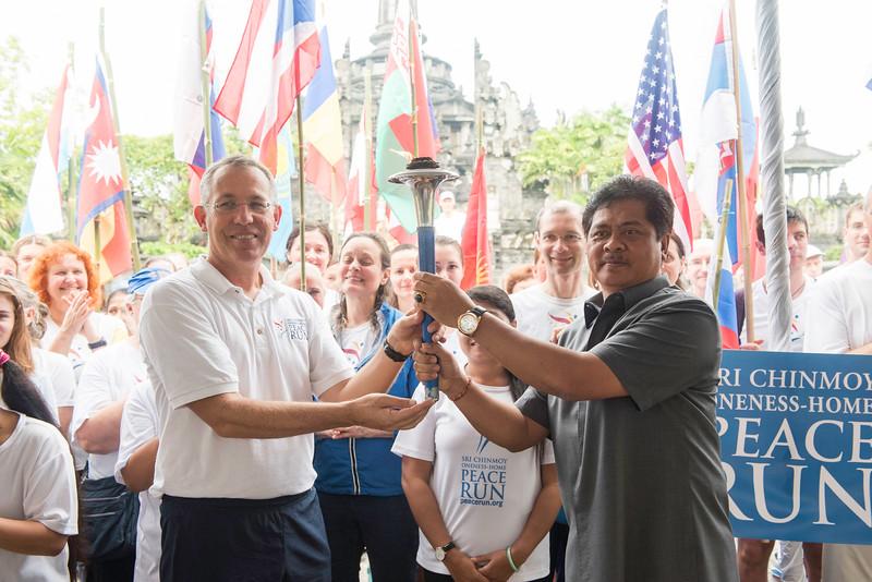 20170131_Peace Run Denpasar w_ViceGov_066.jpg