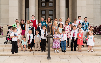 Primary children at the temple for social media