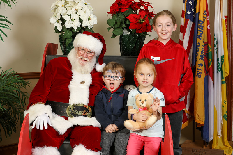 TBTP 2019 Photos with Santa-100.JPG