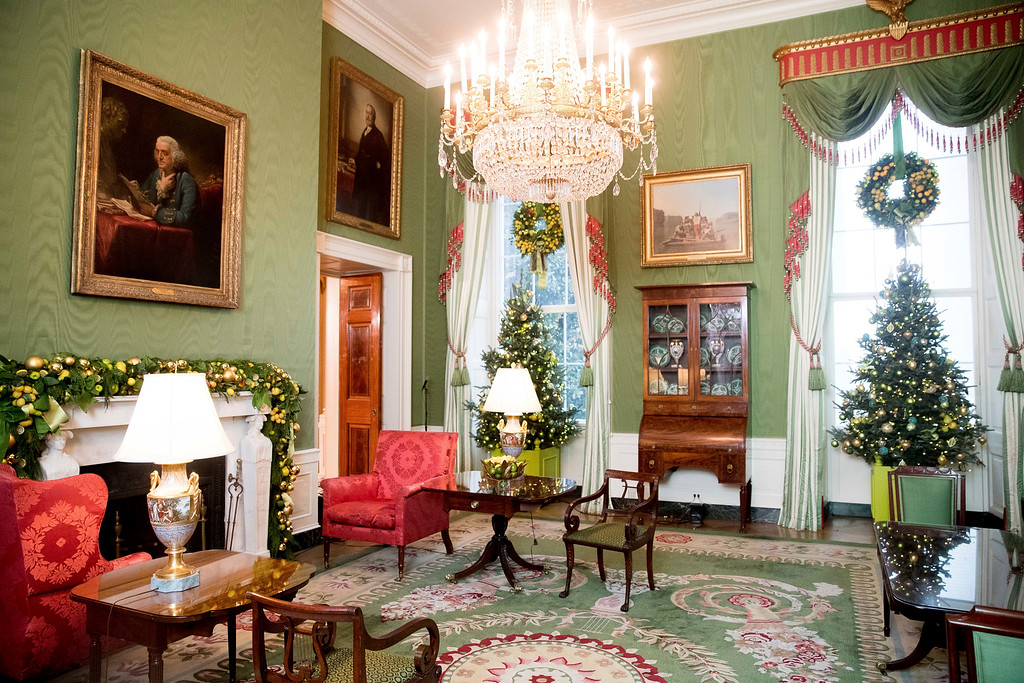 . The Green Room is decorated at the White House during a preview of the 2016 holiday decor, Tuesday, Nov. 29, 2016, in Washington. (AP Photo/Andrew Harnik)