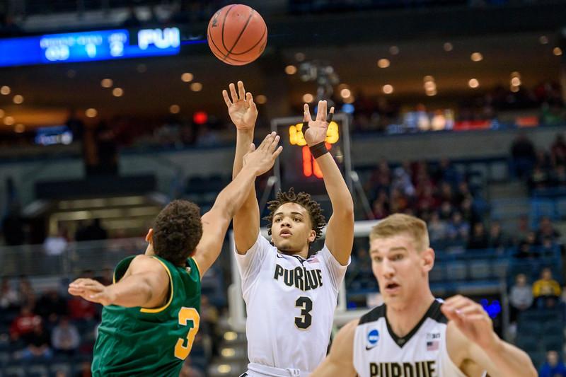 3/16/17 NCAA Tournament, Vermont, Carsen Edwards