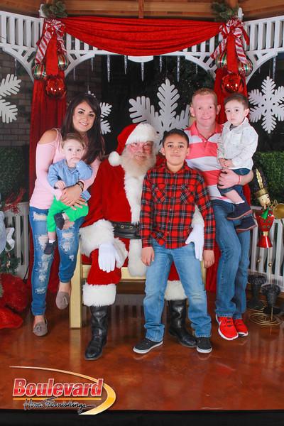 Santa 12-10-16-273.jpg