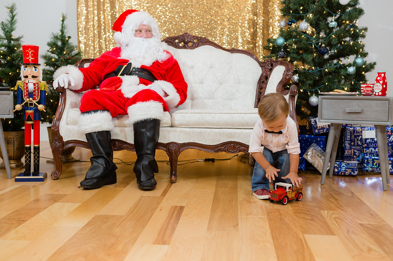 FADS Picture with Santa-377.jpg