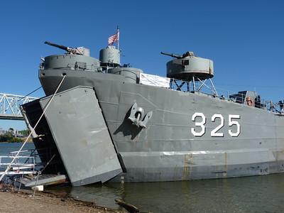 USS LST 325 - Cincnnati Riverfront - 14 Sept. '15