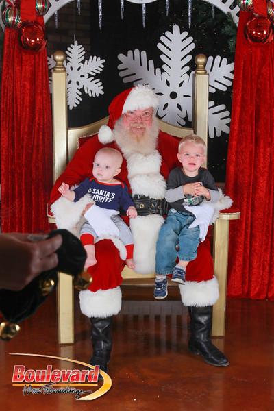 Santa 12-17-16-555.jpg