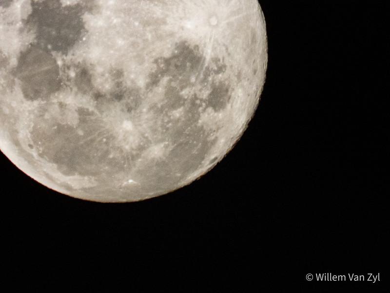 20190617 Moon (Luna) Closeup
