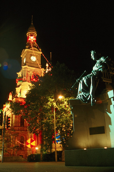 Australia - Sydney - Victoria Statue night cs.jpg