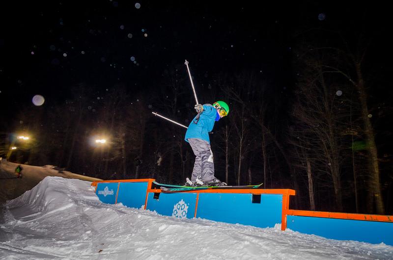 Nighttime-Rail-Jam_Snow-Trails-102.jpg