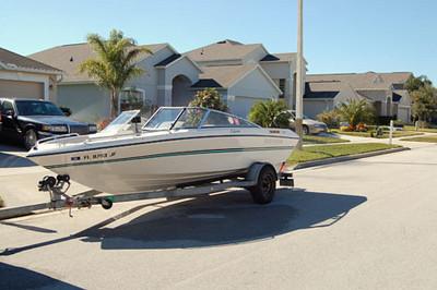 1993 Four Winns Boat