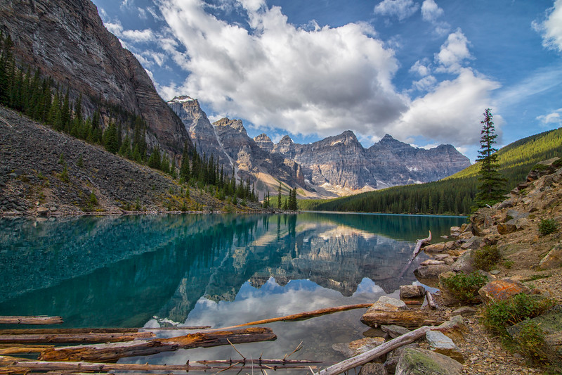 Morraine Lake 2.jpg
