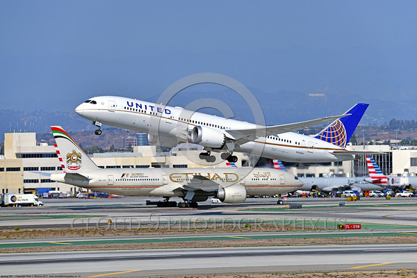 Boeing 787 Dream Liner United Airline Pictures For Sale