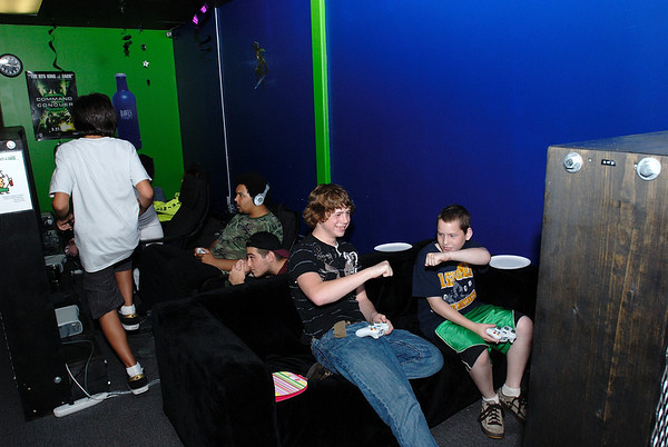 6/25/08 Jonas' Birthday Party at The Chillzone Gaming Cafe