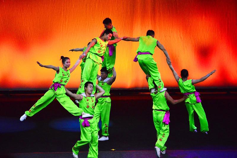 Zaji Acrobats of China_3.jpg