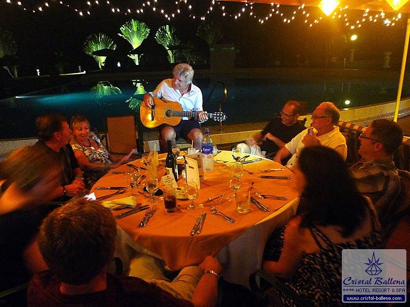 Restaurant-Pura-Vida-Party1_0600px-wm.jpg