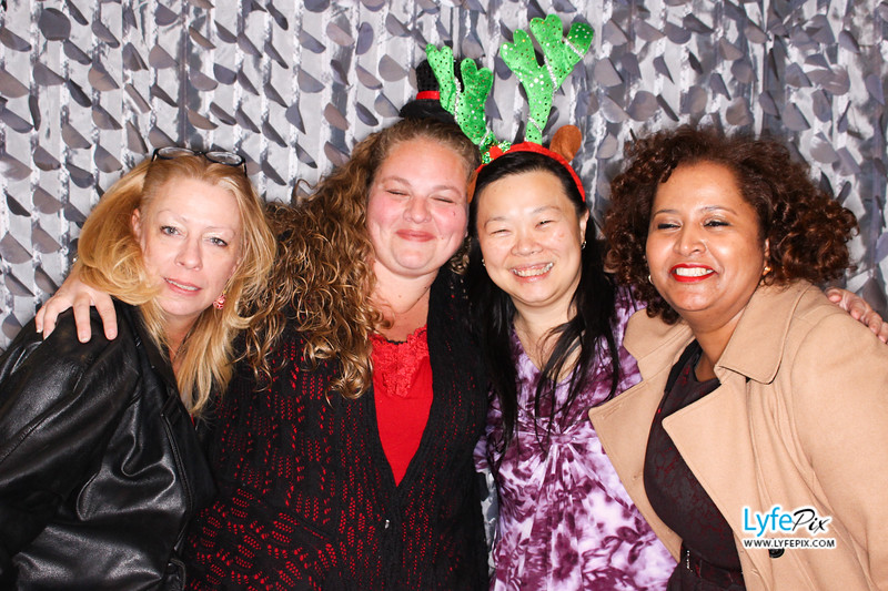 red-hawk-2017-holiday-party-beltsville-maryland-sheraton-photo-booth-0281.jpg