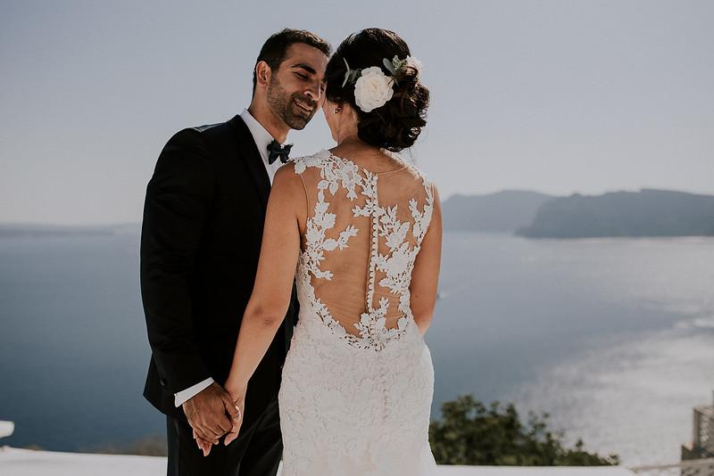 Tu-Nguyen-Destination-Wedding-Photographer-Santorini-Rocabella-Hotel-Euna-Ehsan-218.jpg