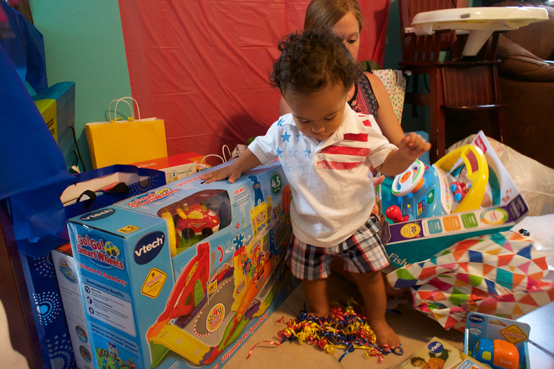 LINCOLN 1st BIRTHDAY PARTY_ 195.jpg