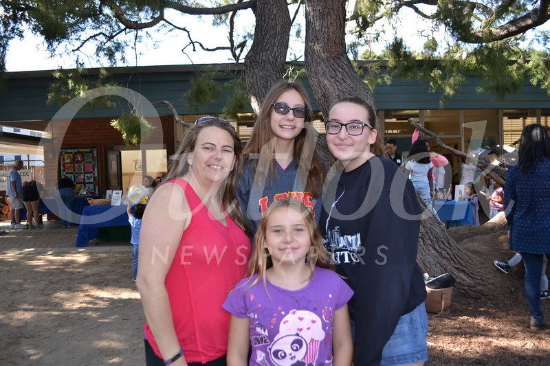 DSC_ Layla, Traci, Amanda and Cassie Eisen 0787.JPG