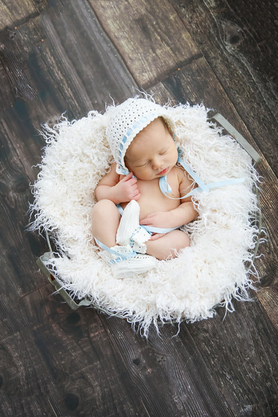 newport_babies_photography_newborn_boy_at_home-5154.jpg