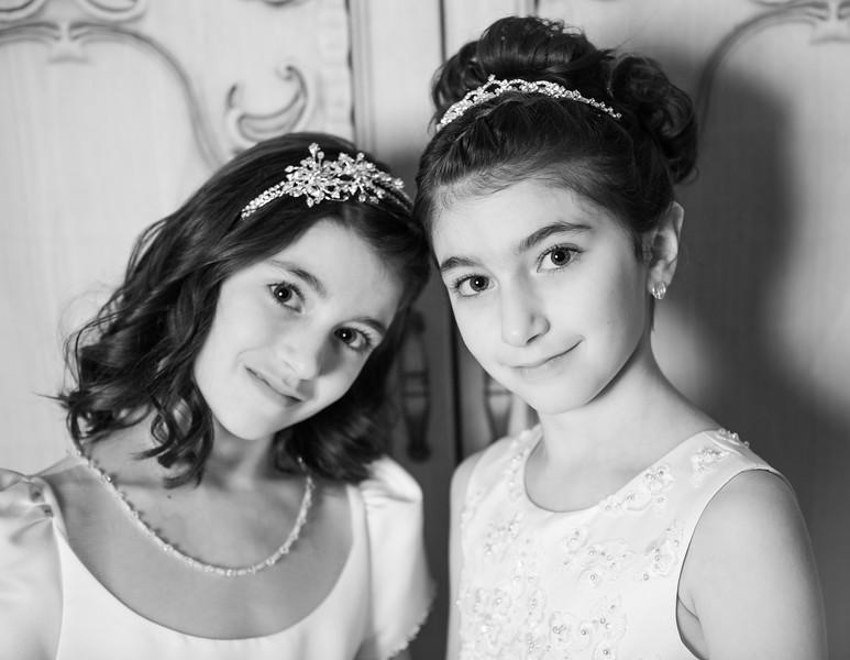 Lilliana & sabrina.jpg