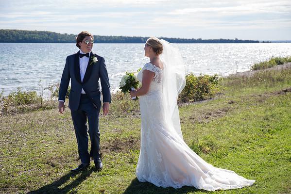Amber + Eric / Mackinac Island Wedding Harbour View Inn